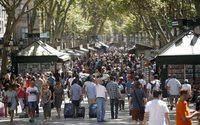 Los ingresos por compras de turistas de larga distancia crecen un 15 % hasta junio