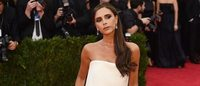 Victoria Beckham recibe premio a la marca de lujo británica del año