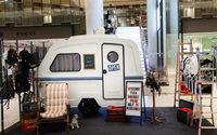 Moschino prend ses quartiers au Printemps du Louvre