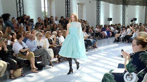 af60543fa7ede5 Alexandre Vauthier - Haute Couture autumn/winter 2019/20 show in ...