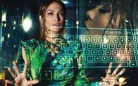 Versace choisit Jennifer Lopez pour sa campagne printemps-été 2020