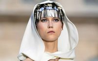 Haute Couture week opens with a bold beauty statement in Paris