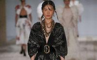 Alexander McQueen : Sarah Burton va à l'essentiel