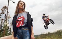 Estilo 'biker' se destaca na Stolnick Magazine