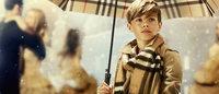Romeo Beckham estrela campanha de Natal Burberry