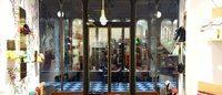 クリスチャン・ルブタン、パリにバッグの限定ストアを出店