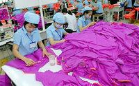 В семи развивающихся странах МОТ добилась улучшения условий труда швей