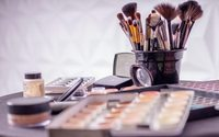 Beauty shoppers turn online but stick with what they know - report