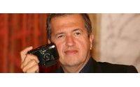 Mario Testino está no Porto a fotografar para a revista Vogue