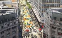 Oxford Street could be closed to traffic by 2018