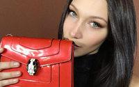 Bulgari contrata Bella Hadid para representar seus acessórios