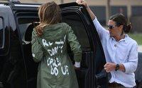 """""""Je m'en fiche complètement"""" : la veste à message polémique de Melania Trump"""