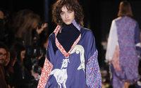 Paris Fashion Week: Esteban Cortazar, i paesaggi di Instagram al liceo Henri IV