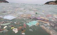 Мир накрыла «волна» мусорных масок и перчаток