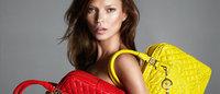 ケイト・モス起用、挑発的なヴェルサーチ2013年秋冬広告公開
