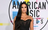Red carpet style: Fashion from the American Music Awards