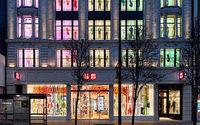 Fast Retailing, impulsado por la exportación, publica un récord anual de ganancias