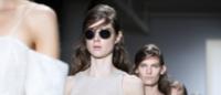 Wes Gordon signe une capsule de lunettes pour Silhouette