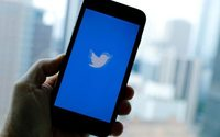 Social media deal earns advertisers' 'likes', but not yet all their dollars