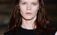 Il nuovo trend della moda: gemelle in passerella