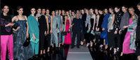 MFW: sfila la donna di Giorgio Armani, l'ambasciatore della moda italiana a Expo 2015
