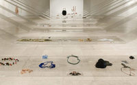Exposição promove reflexão sobre joalharia contemporânea