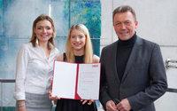 Renommierter Preis der Wirtschaftskammer  Österreich geht an MCI-Absolventin