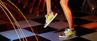 「クリスチャン ルブタン」新作はダンスフロアに映えるサマースタイルを提案