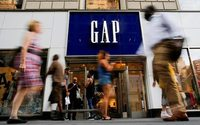 Smell of stagnation sends Gap shares down 14 percent