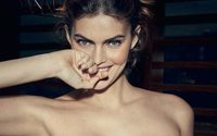 "Wonderbra takes on new perspective with ""Hello Me"" campaign"
