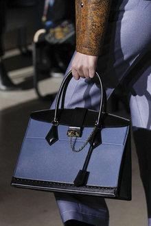 Louis Vuitton D