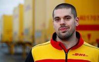 DHL hires hundreds of customs staff to prepare for no-deal Brexit