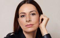 Chanel nomeia Yana Peel como Directora Internacional de Artes e Cultura