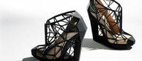 Il piacere e il dolore delle scarpe estreme con 'Shoes: Pleasure and Pain'