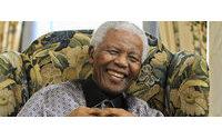 """Le pas de danse, les chemises et le sourire de Mandela: la """"magie Madiba"""""""