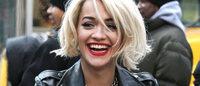 Nova fragrância DKNY traz Rita Ora como estrela
