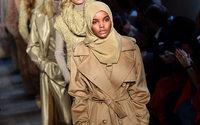Halima Aden, uma modelo que quebra barreiras nas passarelas