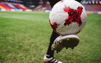 """Adidas präsentiert Spielball """"Karasava"""""""