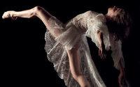 Dentelle de Calais-Caudry : la danseuse étoile Ludmila Pagliero en égérie
