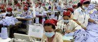 Keine Klopause und andere Missstände in Kambodschas Textilfabriken
