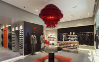 Isaia opens in London with Conduit Street boutique