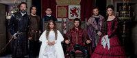 El Museo del Traje inaugura una exposición sobre el vestuario de la serie 'Isabel'