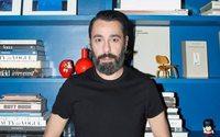 Juanjo Oliva abandona la pasarela de Madrid y presentará su próxima colección en París