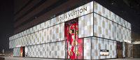 Los chinos realizan el 78% de las compras de lujo en el extranjero