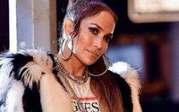 Guess fait appel à Jennifer Lopez pour sa campagne du printemps 2018