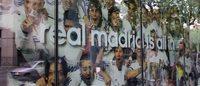 El Real Madrid releva a Custo en la calle Ferran de Barcelona