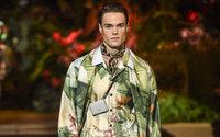 La moda masculina viaja de la urbe a la jungla en Florencia y Milán