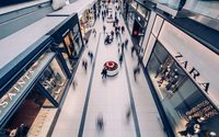 UK consumer confidence stays muted, outlook for retailers is weak