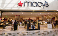 Macy's Executive Chairman Lundgren to retire in 2018