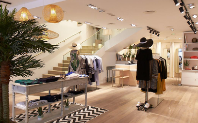 c541cda0e43 Lacoste amorce le déploiement de son nouveau concept de boutique ...